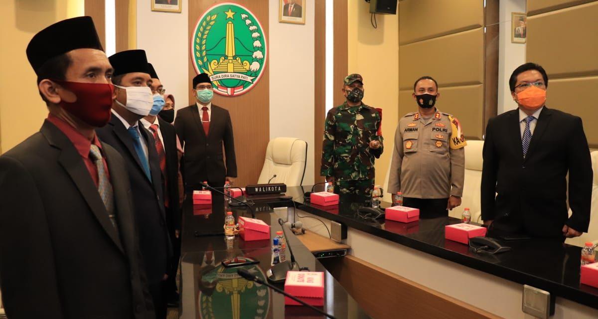 PENGUKUHAN DAN PENYERAHAN KEPUTUSAN MENTERI DALAM NEGERI REPUBLIK INDONESIA