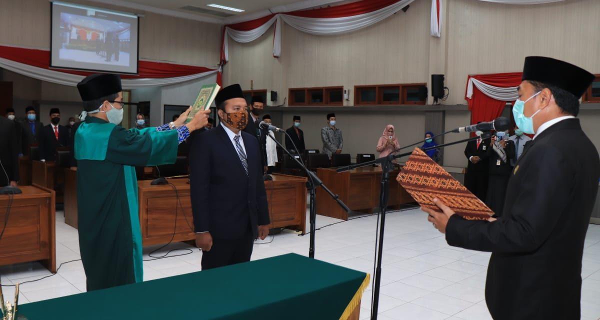 Wali Kota Pasuruan Hadiri Pelantikan PAW Anggota DPRD Kota Pasuruan