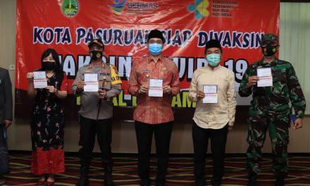 Pastikan Aman, Wali Kota Pasuruan Imbau Masyarakat Tak Takut Divaksin