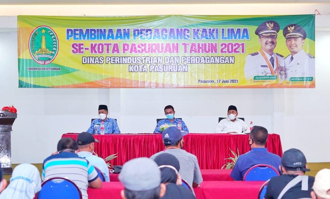 Asisten Perekonomian Dan Pembangunan, Yudhi Harnendro berharap para pedagang kaki lima turut mendukung program-program yang telah dijalankan Pemerintah Kota Pasuruan dalam mewujudkan visi dan misi menuju Kota Madinah